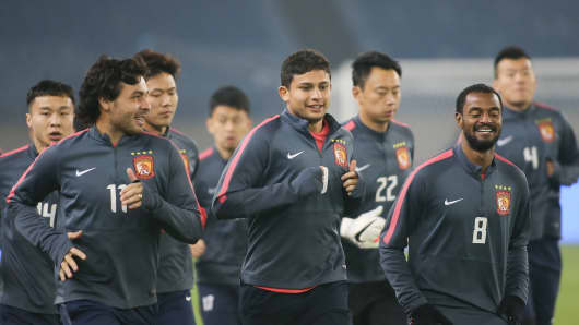 Players of Evergrande Taobao F.C..